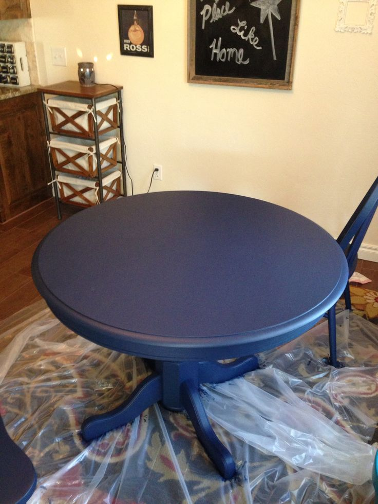 Boring Oak Table Redo With Navy Chalk Paint Likes In 2019 Painted Kitchen Tables Chalk