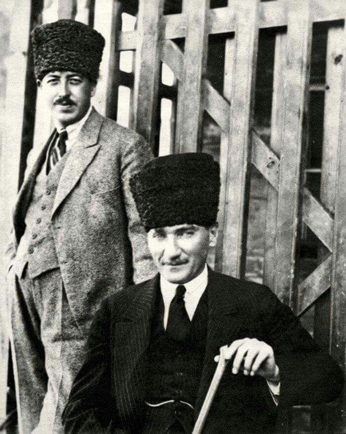 Atatürk ve Yaveri Cevat Abbas Gürer