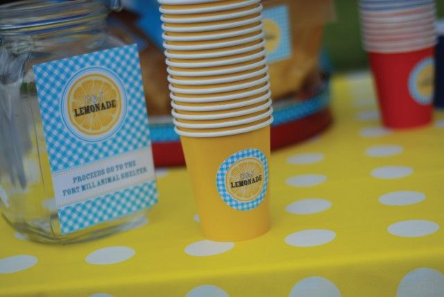 Have a lemonade stand and use these FREE adorable printable designs from http://www.andersruff.com