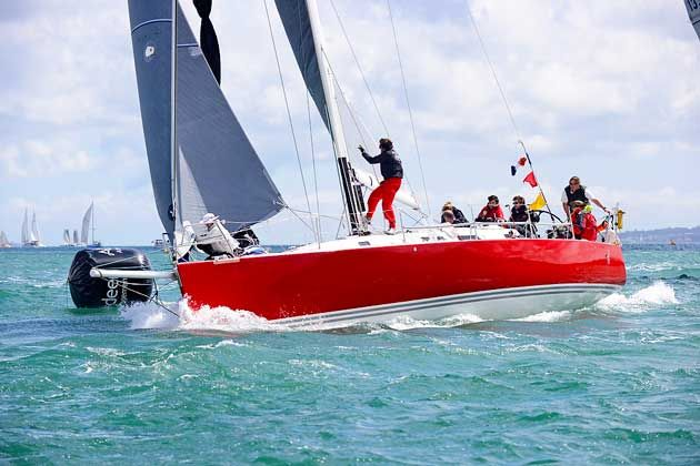 There are rich pickings to be had at the windward mark. Jonty Sherwill asked top match racer Ian Williams for his five best tips for a smooth bear away