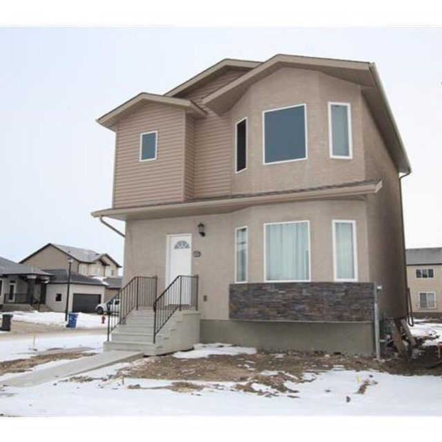 BRAND NEW HOME!!! MLS #:  1527413 Address:  1979 Jefferson Ave Neighborhood:  Waterford Green Price:  $324,900 Style:  2 Storey Bedrooms/Bathrooms:  3 / 2 ½ Sq ft:  1,396         Lot:  48' x 147' Year Built:  2015 Builder:  MX Homes Ltd. Features: 9 feet ceilings main floor w/ open concept living & dining area, pot lights, corner pantry, full basement, master en-suite bath & walk-in closet, high quality laminate, carpet, & vinyl flooring throughout. Call Rose Lobreau at (204)996-7616 for…