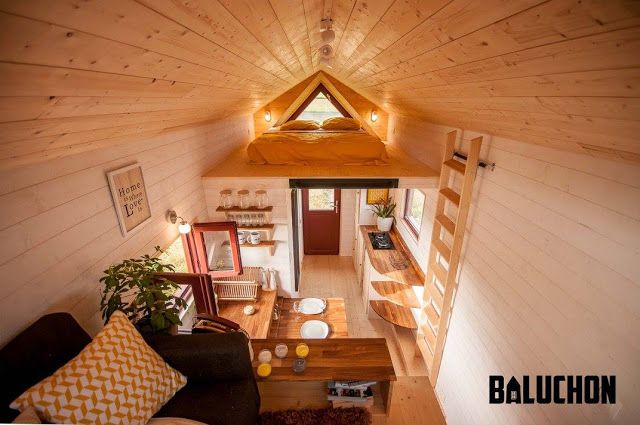 the odyssee tiny house Baluchon (white, wood, glass)