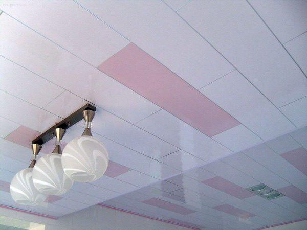 Deckenplatten Malen Tipps Und Ideen Fur Die Wahl Der Richtigen Farbe Dekoration Ideen Kunstliche Deckenbalken Deckenpaneele Deckenverkleidung