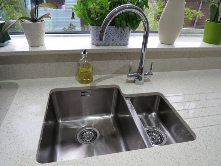 What an amazing picture from one of our customers! A Bluci Orbit 01/U undermounted 1.5 bowl kitchen sink and a twin lever Bluci Rienza kitchen tap. Set into quartz worktop with drainer grooves. It could have almost come straight from a glossy home magazine!
