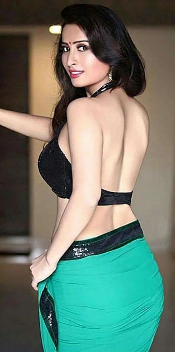 #Saree | Girls | Indian beauty, Indian aunty, Fashion