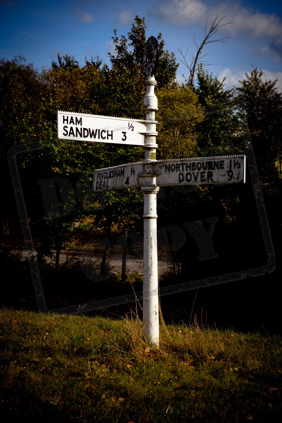 Sandwich Road Sign. Kent   www.bayimages.co.uk