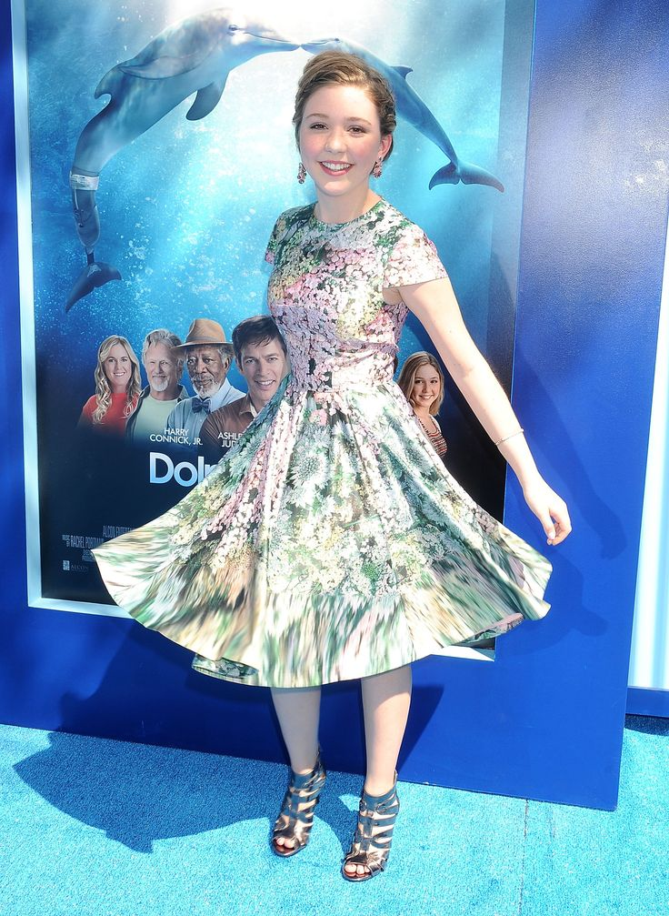 Cozi Zuelsdorff || Must-See Celeb Styles from the 'Dolphin Tale 2' Premiere | Twist