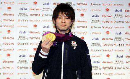 ロンドンオリンピックで3つのメダルを獲得した内村航平選手