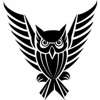 Búho tribal con alas largas