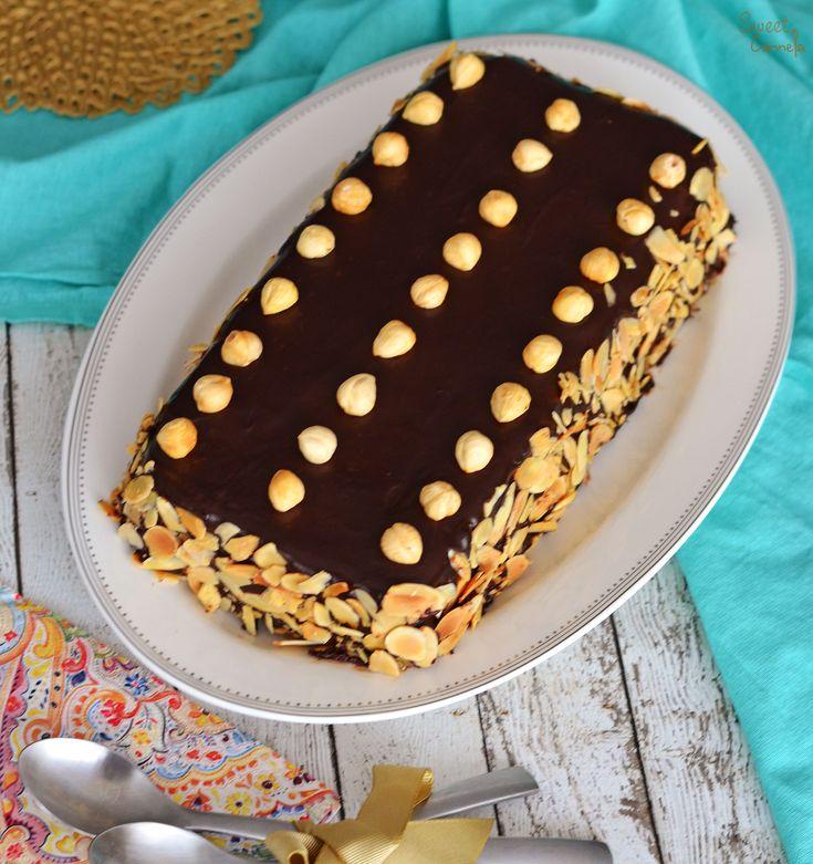 Dacquoise de Avellana y Almendra. Tres capas de merengue de avellanas y almendras, con ganache de chocolate y crema de mantequilla de espresso. Un postre súper rico, cremoso y crujiente.