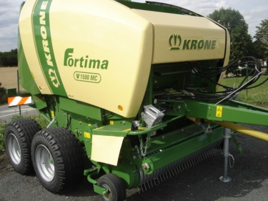 Here's a pic of a round baler from Krone - http://www.agriaffaires.co.uk/used/1/round-baler.html