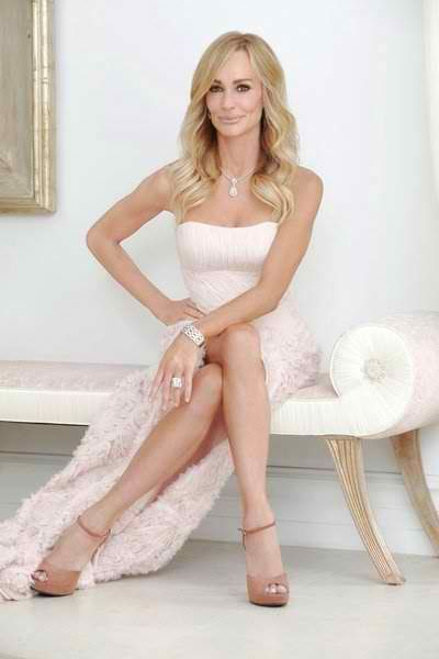 is taylor from beverly hills housewives dating Taylor armstrong wants to set the record straight about what viewers saw during the feb 18 episode of the real housewives of beverly hills in the opening scenes, the 41-year-old widow called her costar kyle richards to inform her that she won't be able to attend kim richards' nose job unveiling party,.