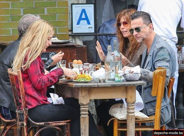 Dave Gahan Takes Family Brunch