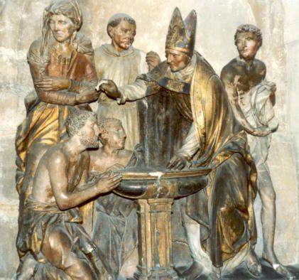 St. Augustinus van Hippo. - Beeldengroep Frankrijk, Troyes, kathedraal Agustinus wordt gedoopt door Ambrosius van Milaan.