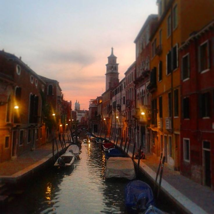 #venice by night !