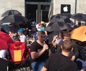 Diese Typen campen sechs Tage, um das iPhone 6 als Erste in den Händen zu halten!