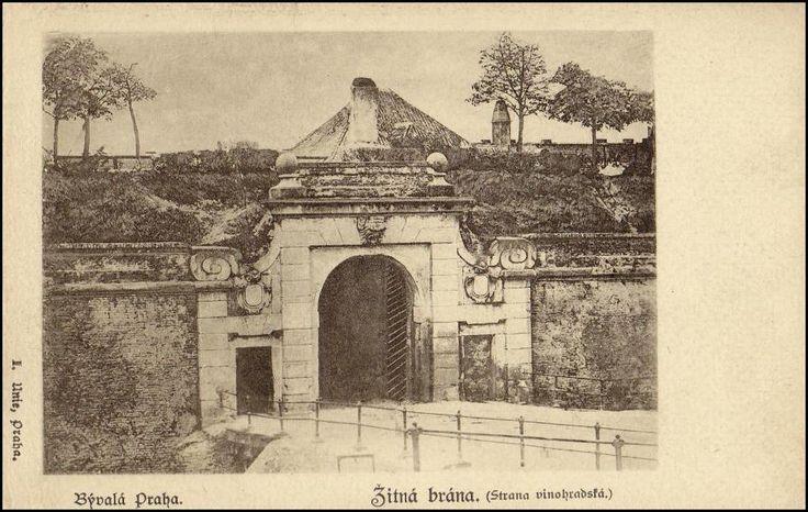 Žitná brána ze strany Vinohrad