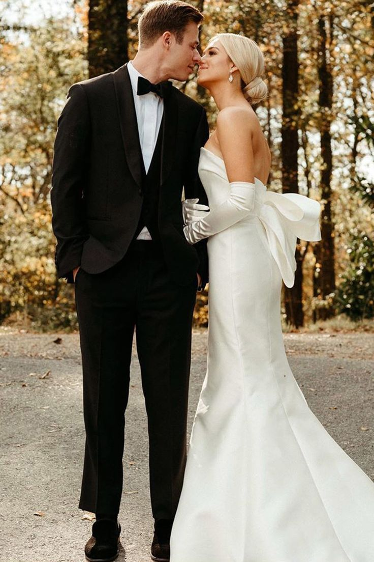 Newlyweds Sadie Robertson And Christian Huff Share First Wedding Photos Forever Me And You In 2020 Wedding Dresses Wedding Dresses Vintage Celebrity Weddings