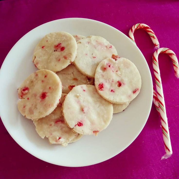 Candy Cane Sugar Cookies. A super sweet take on a Christmas classic.