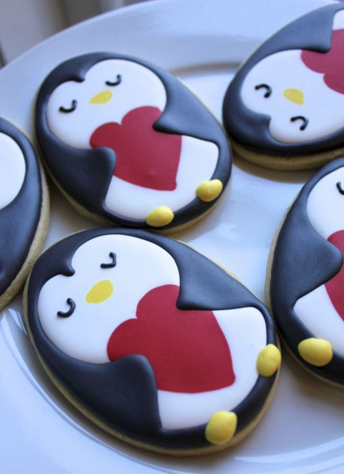 Penguin Cookies - For all your cake decorating supplies, please visit craftcompany.co.uk