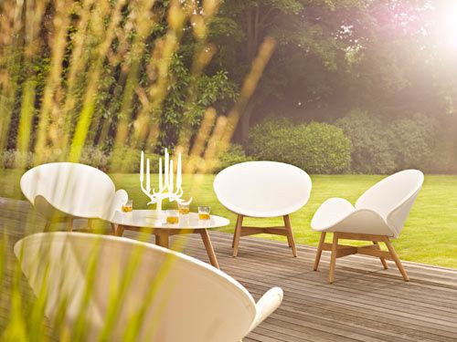 Dansk is a three-piece collection of outdoor furniture designed by Povl Eskildsen and Phillip Behrens for Gloster. With a nod to 50′s Danish design, the set will give you a bit of a vintage classic feel mixed with modern, for a clean, simple look.