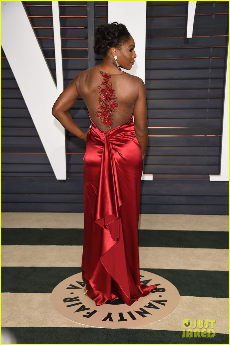 Serena Williams Shows Some Serious Leg at the Oscars 2015 After Party | serena williams oscars 2015 red carpet after party 04 - Photo