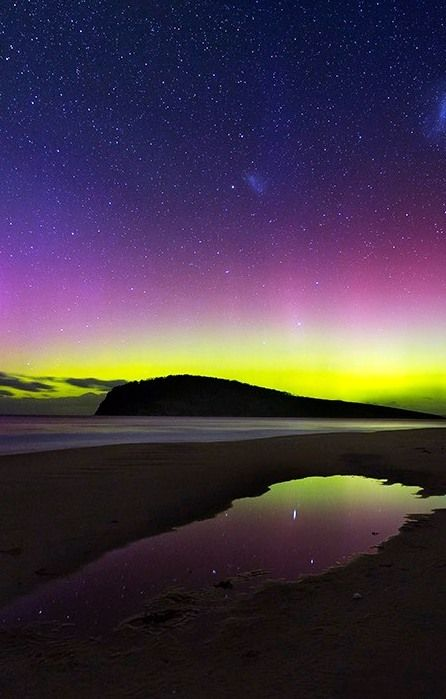 Southern lights, Tasmania. One of many, many Australian bucket list experiences. Click through for full article -----> http://www.mappingmegan.com/australian-bucket-list-experiences/