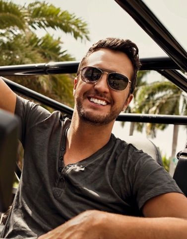 Luke Bryan | 7 billion smiles, and yours is my favorite. ❤️