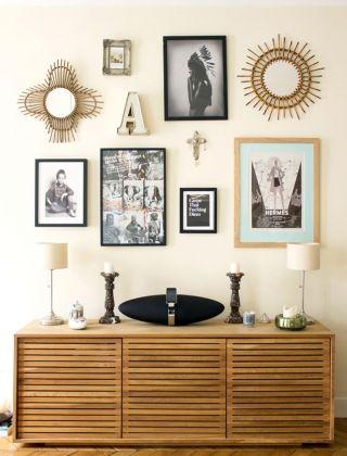 Cadres et miroirs sur mur - Inside Closet