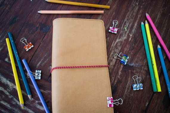 Handcrafted Genuine Leather Notebooks Cover <  This Midori style notebook is a leather cover made of soft leather but has a strong shape.