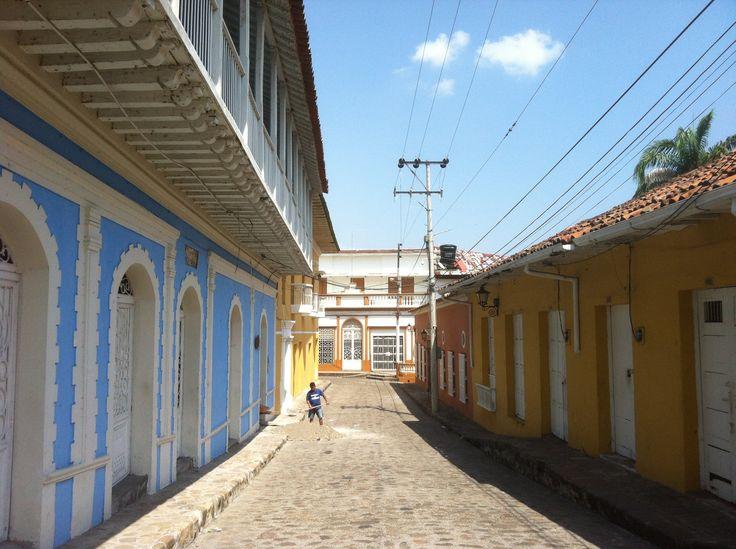 Calle cerca de la plaza de mercado