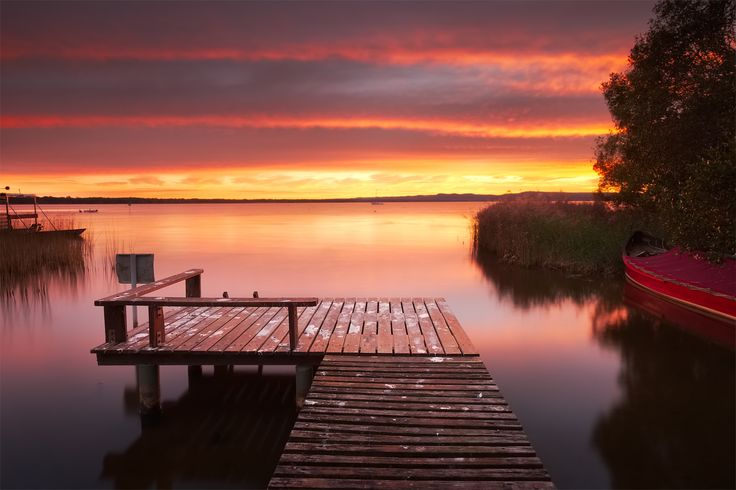 Ron's Jetty by Sean Barlow  on 500px