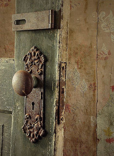 Muted colours, layers of paint, rust and stencils - what could be better