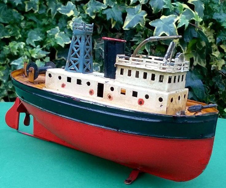 VIDEO heart breaking Bing Germany Clockwork Tug Boat 22cm works squirts water
