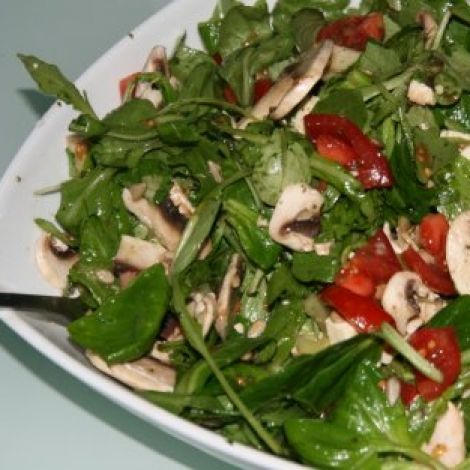 Rezepte Gourmet-Salat mit Granatapfeldressing    #kochen #rezepte #kochrezepte