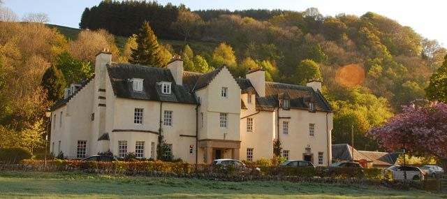 I used to stay there in the 70s and early 80s when I was a child.  Fortingall Hotel  http://www.fortingall.com/  Dining restaurant has two AA rosettes; bar/lounge for lunch/coffee