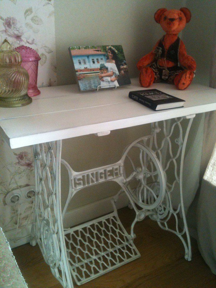 Работа Елены - декор столика на станине от швейной машины. Столешница сделана самостоятельно.  Отзывы | Арт-студия LOVENE - меловая краска, декор мебели