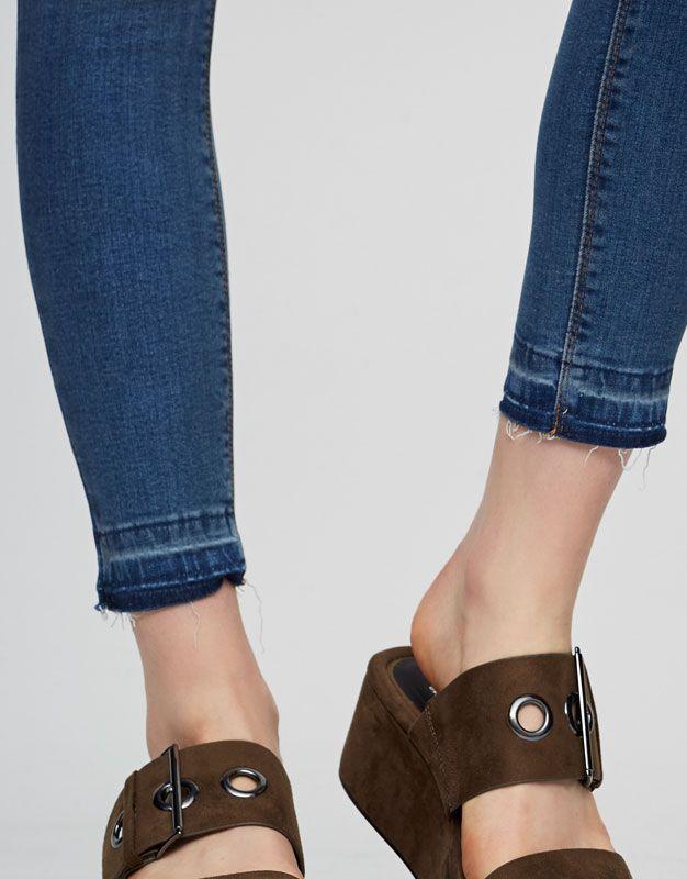 Skinny fit jeans met hoge taille - Denim Collection - DENIM - HIDDEN - PULL&BEAR Netherlands