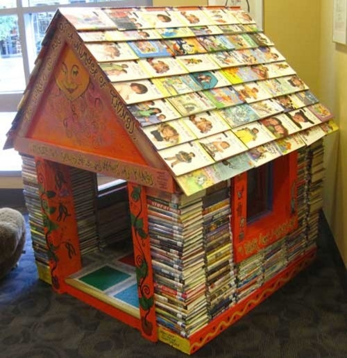 My Living With Books 07: shares several reading nooks for children and tips for creating excitement to overcome reluctance in young readers