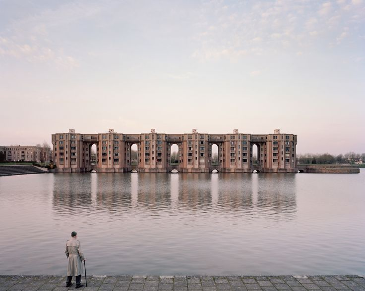Gallery - A Utopian Dream Stood Still: Ricardo Bofill's Postmodern Parisian Housing Estate of Noisy-le-Grand - 18