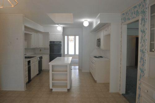 kitchen-before-500x332