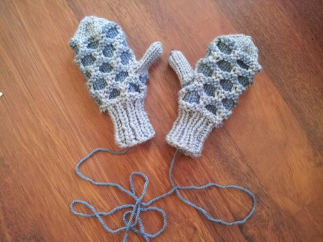 Kids newfoundland mitts pattern