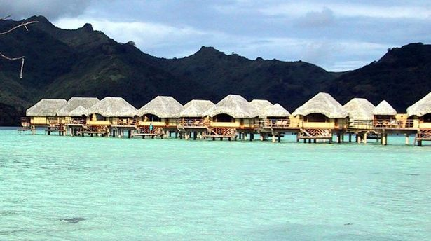 How to Plan a Tahiti Honeymoon Vacation and Stay in the Overwater Bungalows!
