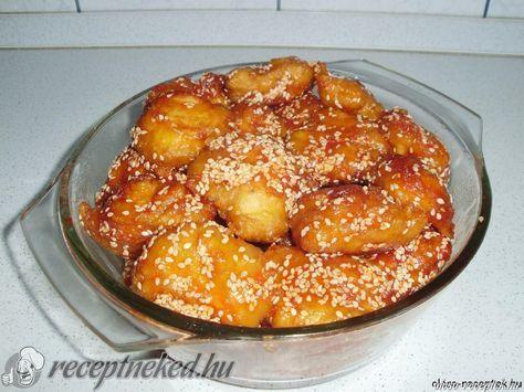 Kínai : Bundához: 6 ek liszt 3 ek étkezési keményítő 1 ek olaj 1 tojás 1 egész csirkemell csipet só pici víz 1,5 kk sütőpor Mázhoz: ketchup chili (erős