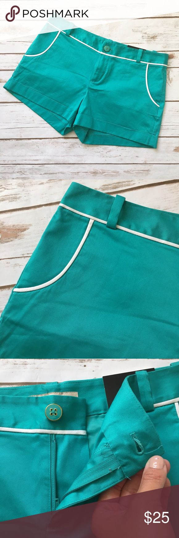 """NWT Banana Republic Teal Shorts Classy bright teal shorts with white trim by Banana Republic. • 12"""" long • 3"""" inseam • 17"""" waist laid flat • 12"""" thigh laid flat • Has stretch • New  🚭 Smoke-free home 📬 Ships by next day 💲 Price negotiable  🔁 Open to trades Banana Republic Shorts"""