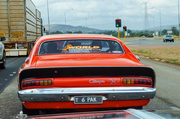 VH R/T Charger