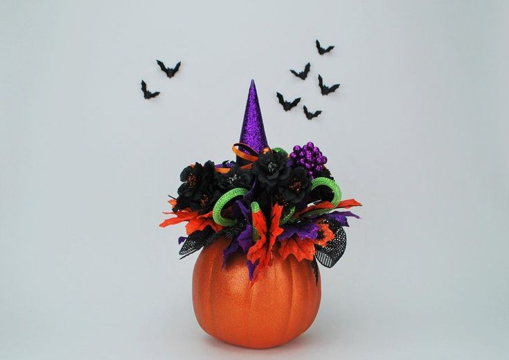 Witch Hat Halloween Pumpkin Bouquet   #Halloween #HalloweenDecor #HalloweenParty #party #ghost #horror #hauntedmansion #hauntedhouse #boo #goblins #zombies #gothic #skull #ghost #gothicdecor #spooky #thatdreamyoudream