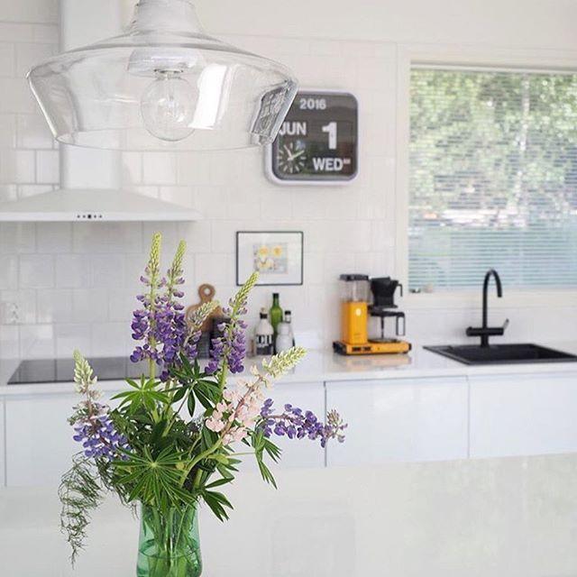 Our own design luminaire Laaka designed by Laura Väre.  Photo of @lyde_talostakoti ❤️ #laaka #sessak #sessaklighting #sessakdesign #designfromfinland #design #finnishdesign #interior #interiorinspiration #interiordecor #interiorinspo #scandinaviandesign #sisustusinspiraatio #sisustus #lighting #interiorstyling