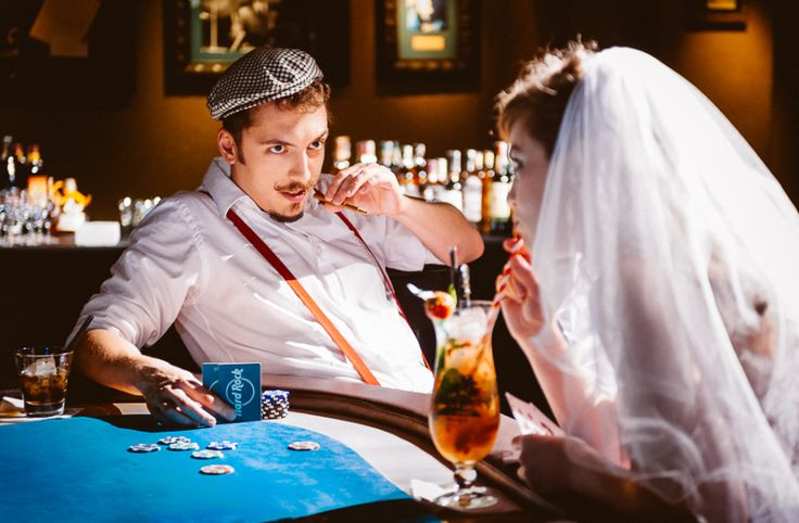 Alternative & Rockabilly Weddings in Prague Hard Rock Cafe (14)
