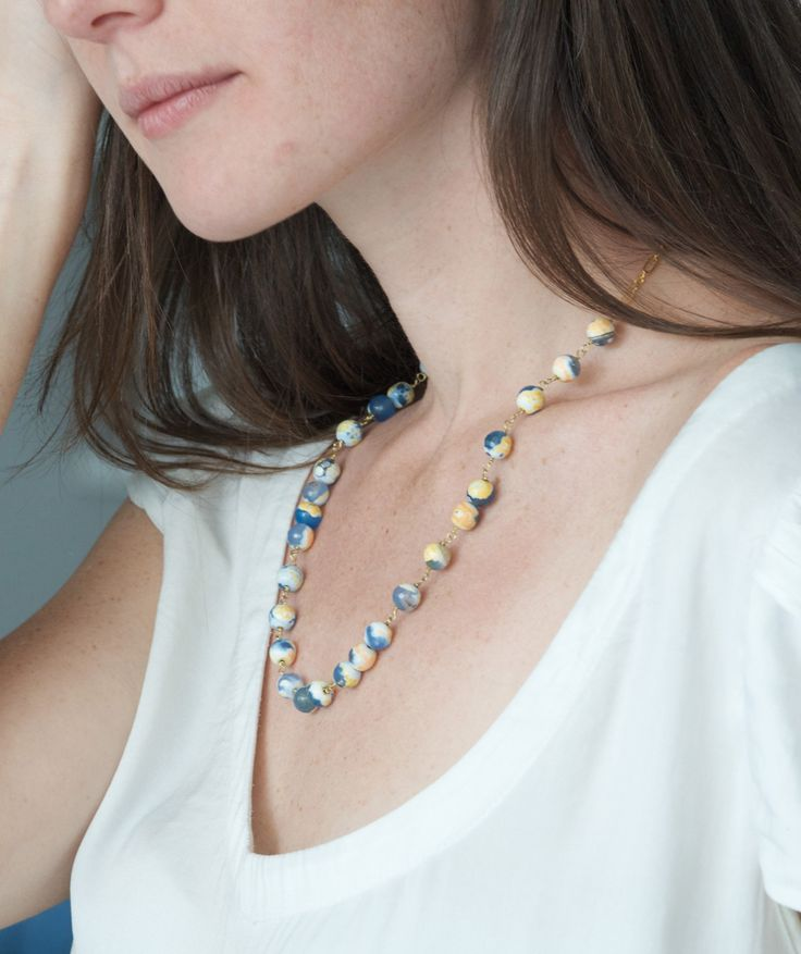 Tilda e l'ortica - Claribea - handmade jewels. Middle length necklace with Agate Fire stones